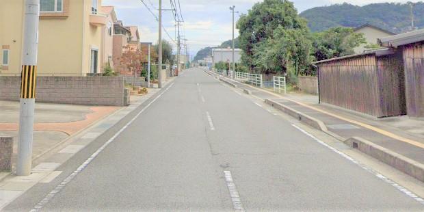 整骨院の前の道